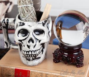 Davie Antiqued Skull Mug